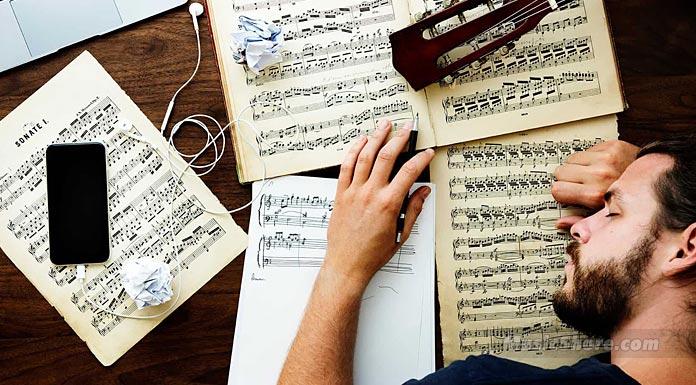 Авторам пісень - Музичний берег
